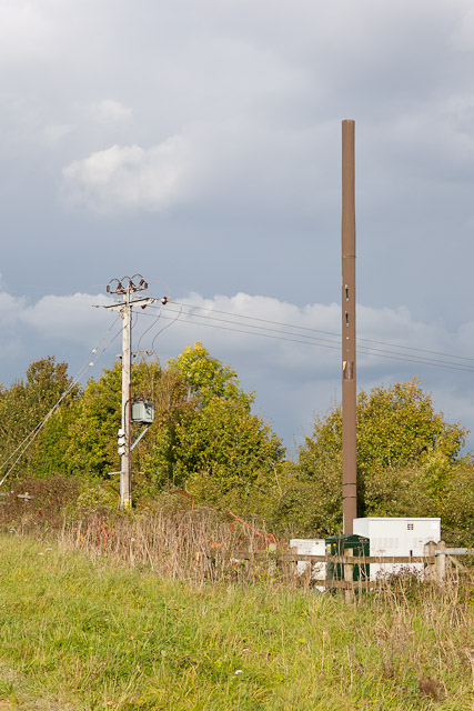 Mobile phone mast beside M3 on Grace's Farm