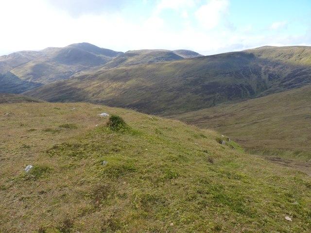 Grassy spur above Gleann Pollaidh