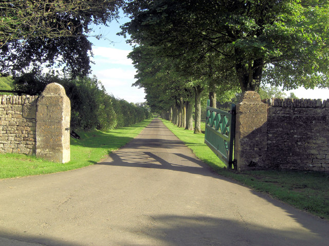 Entrance to Stowell Park