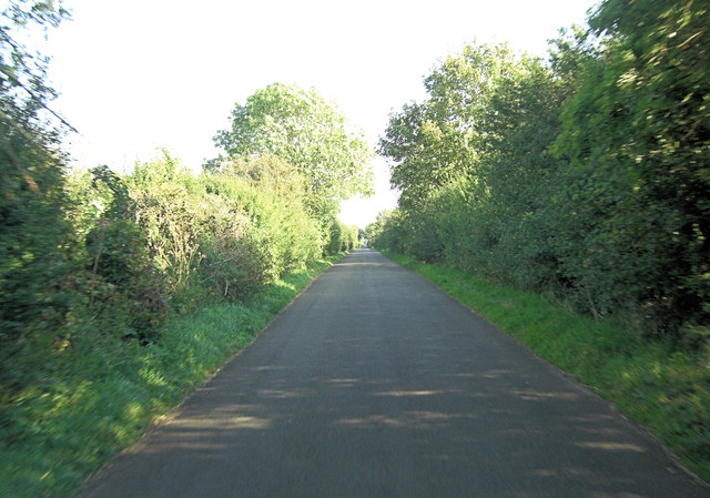 Unnamed lane south of Larkethill Wood