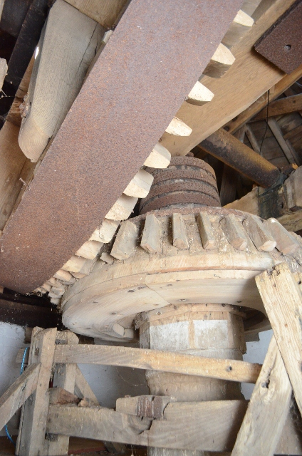 Ullesthorpe Subscription Mill  - brake wheel