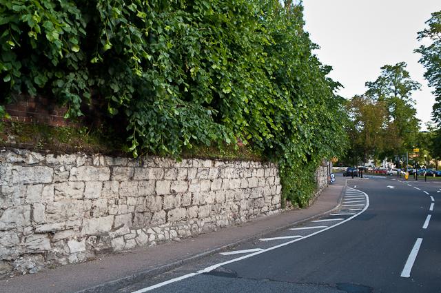 Wall, High Street