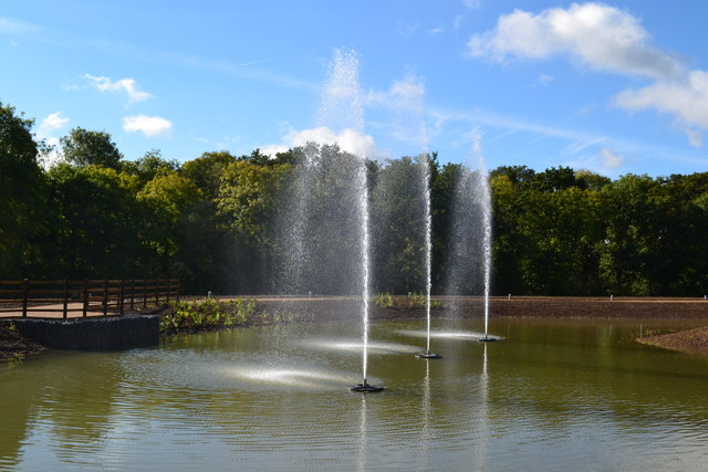 New lake with fountains, Cobham Motorway Services