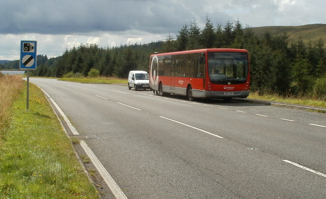 Broken-down Veolia bus near Beacons Reservoir
