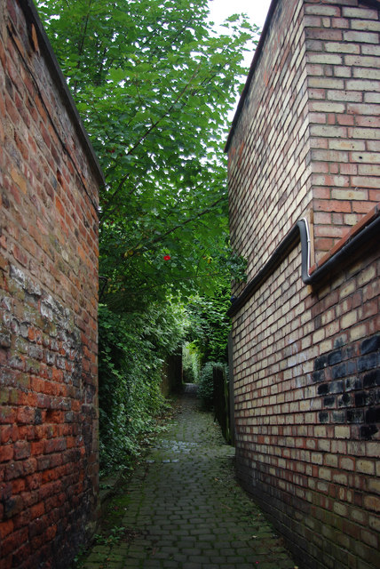 A Knutsford Alley