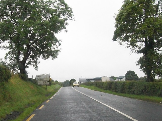 The R188 approaching the Junction with L6432 Three Mile House road