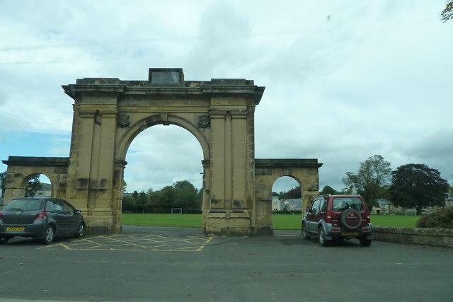 Shedden Park entrance arch