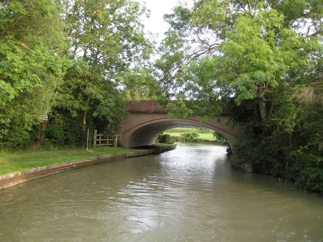 Grand Union Canal: Bridge Number 108: Nimrod Bridge