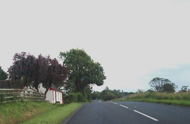 Cottage along side the B82 at Ballycassidy