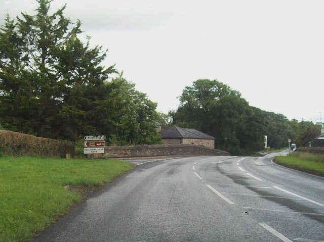 The B82 bridging the Ballymallard River