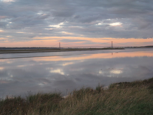 View towards the Humber Bridge from near Read's Island