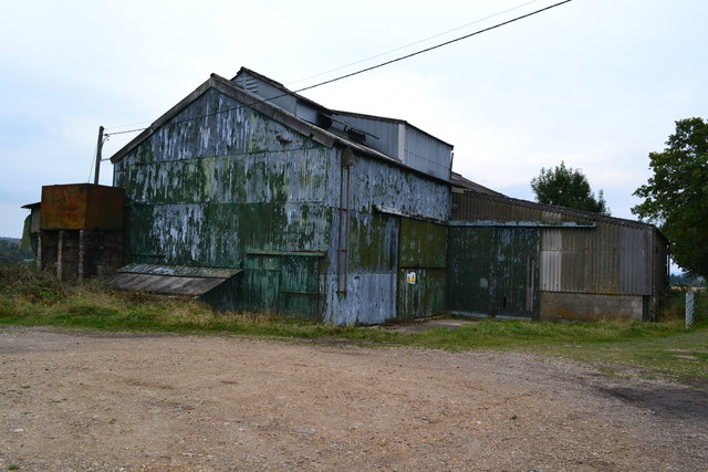 Dilapidated farm building, Winterslow