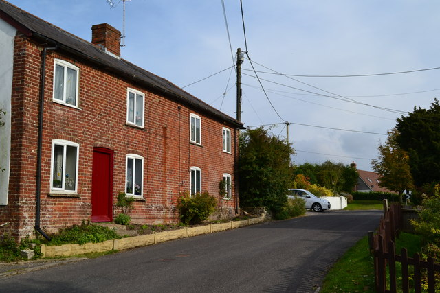 Cottages in Gunville Hill