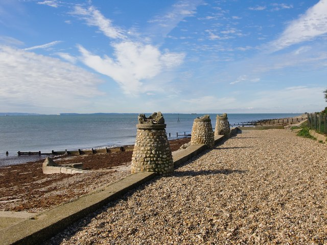 Selsey Bill: sea defences and evidence of coastal erosion