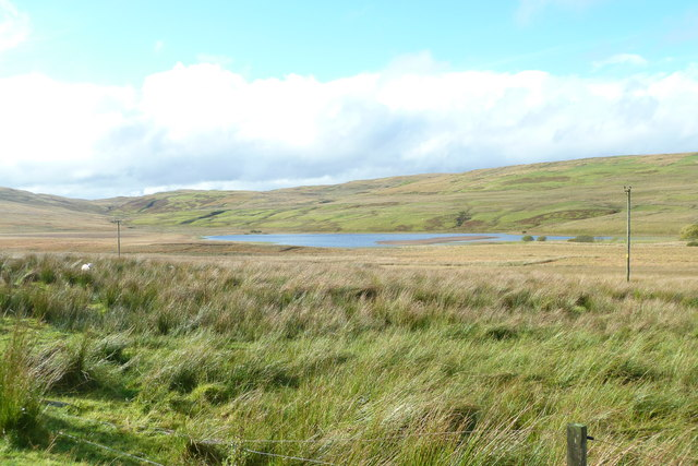 Clearburn Loch from the road