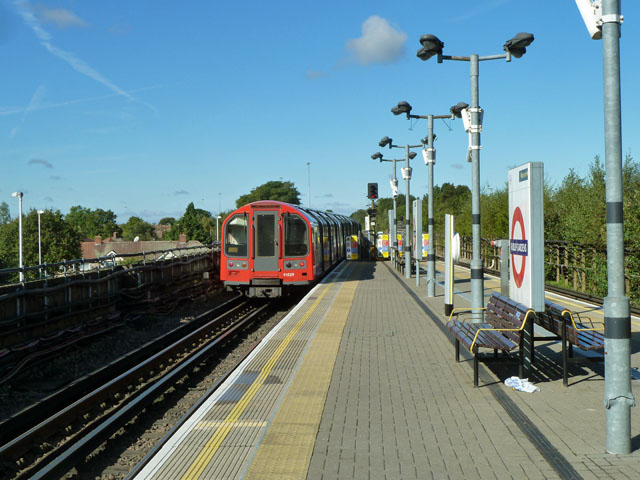 Westbound train leaving Ruislip Gardens