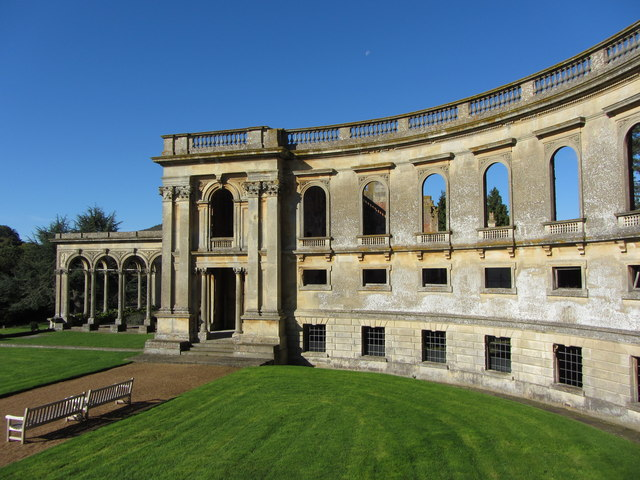 Curved wall of the servants' courtyard, Witley Court