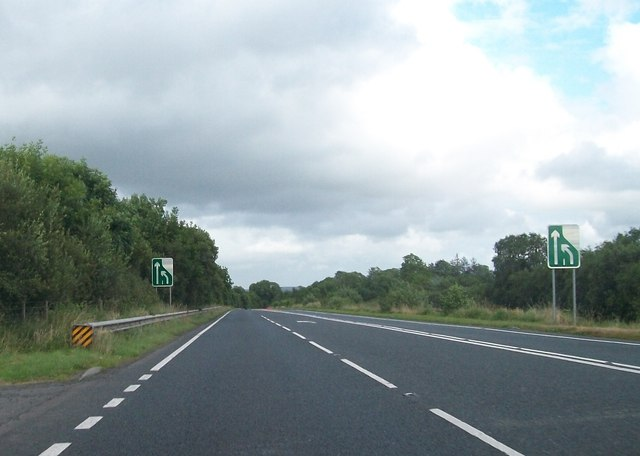Merge to a single lane ahead signs on the A4