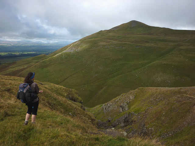 Murton Pike (594m) from White Mines