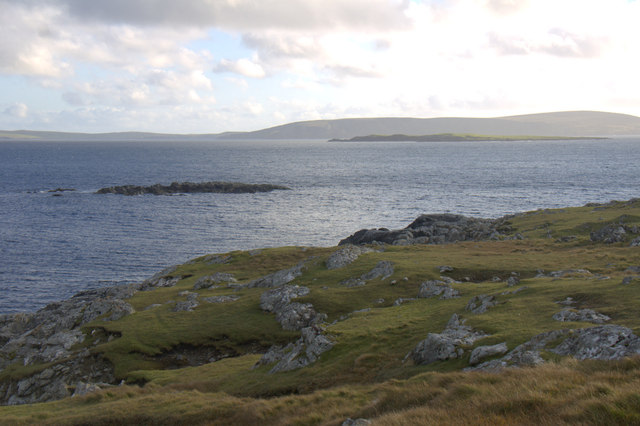 Hestibanks and Hunts Holm, Mu Ness