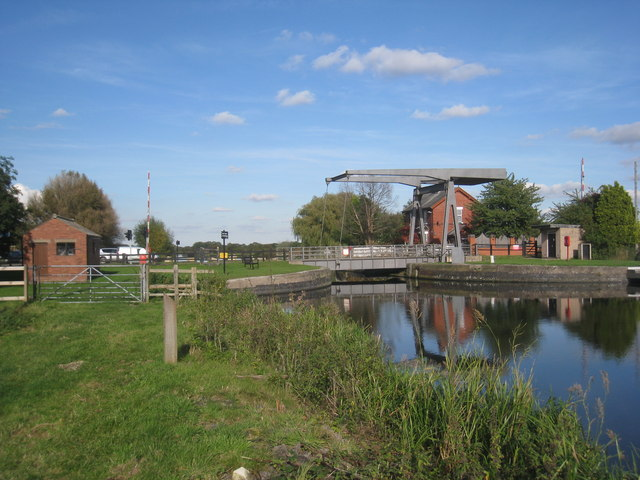 Top Lane Bridge and the New Junction Canal