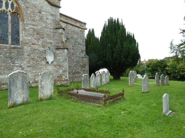 St Mary the Virgin, Puddletown: churchyard (e)