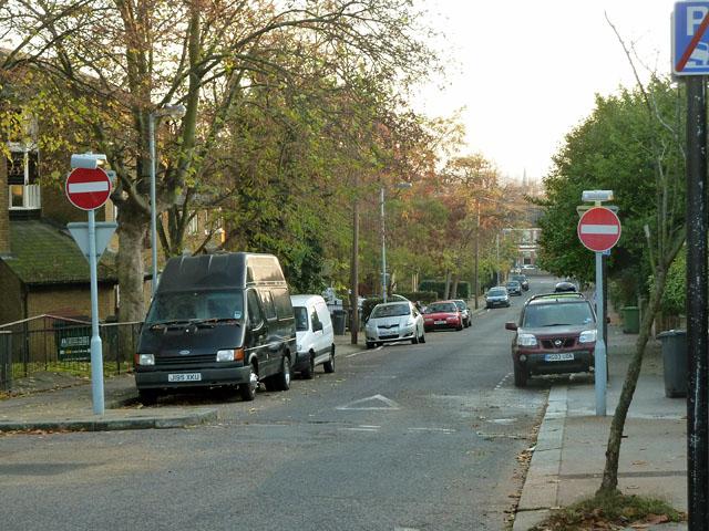 Montem Road