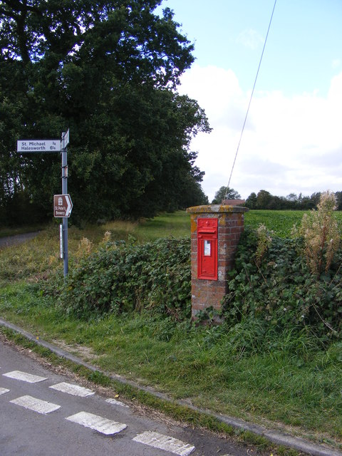 Roadsign &amp; St.Peter Edward VII Postbox