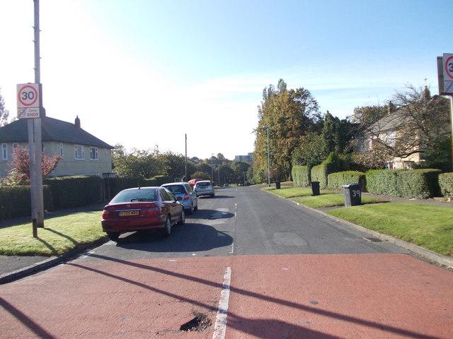 Lingfield Gate - Lingfield Approach