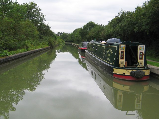 Grand Union Canal: River Itchen Aqueduct