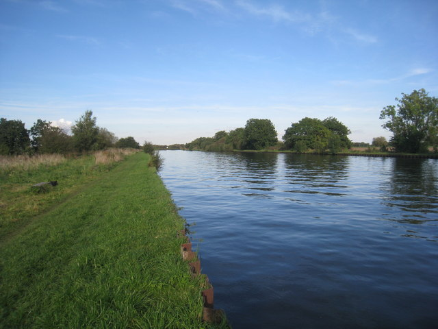 The River Don Navigation at North Field Lane bridge