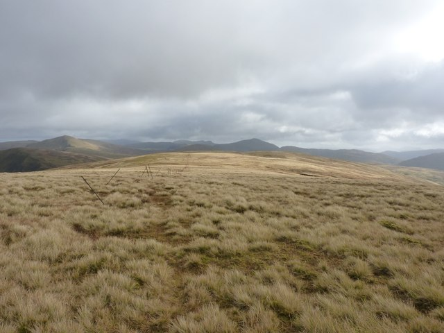 Along the SE ridge of Meall Buidhe