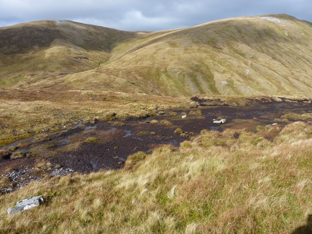Peaty ground on the north side of Meall Phubuill