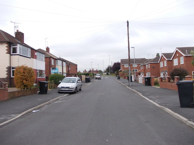 Southleigh Crescent - looking towards Gipsy Lane