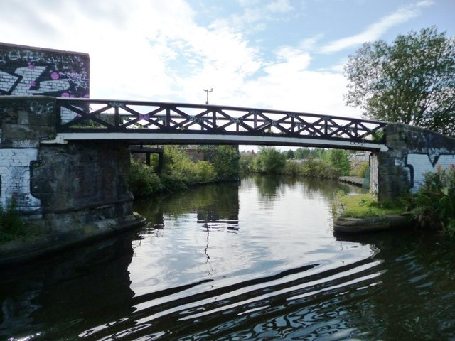 Roving bridge for the New Main Line canal towpath