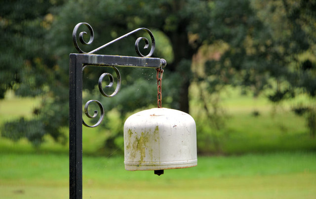 Golf bell near Edenderry, Belfast