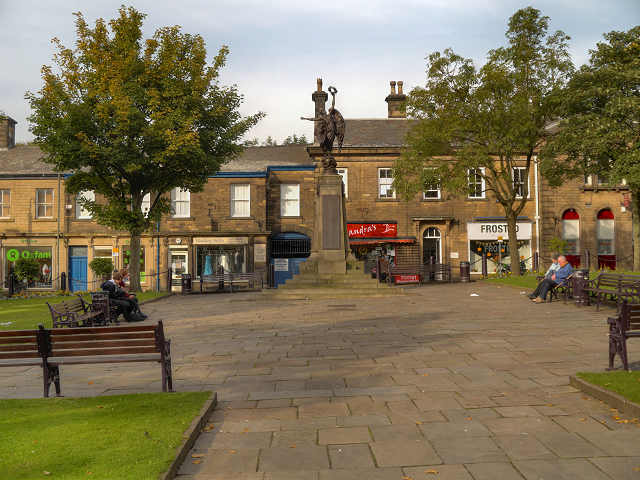 Norfolk Square and War Memorial, Glossop