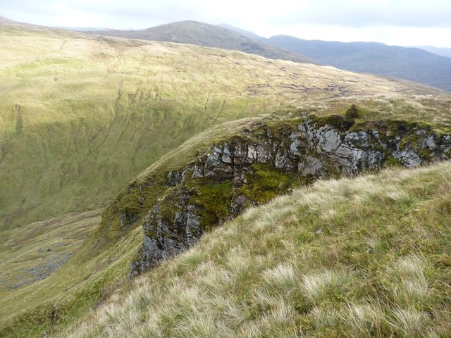 Craggy outcrop on the eastern side of Sron a' Choire Chnapanaich