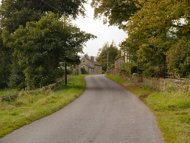 Approaching Kidd Road Farm