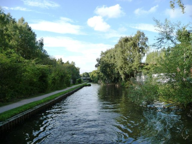 Narrows on the Worcester & Birmingham Canal