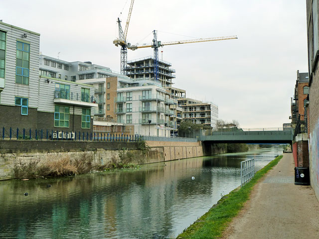 Limehouse Cut, Morris Road bridge