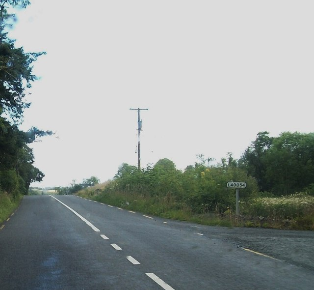 The L40054 at its junction with the R181 near Lough Avattan