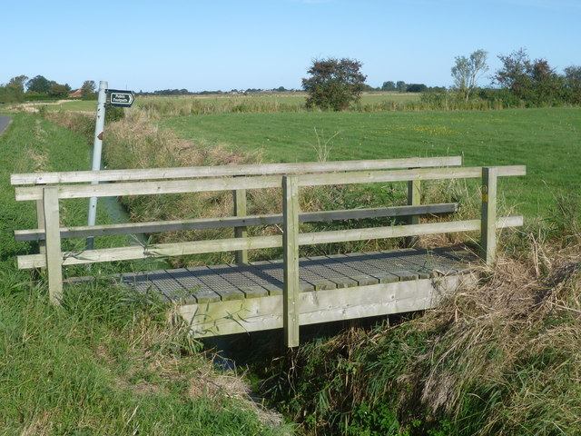 Footbridge next to North Road