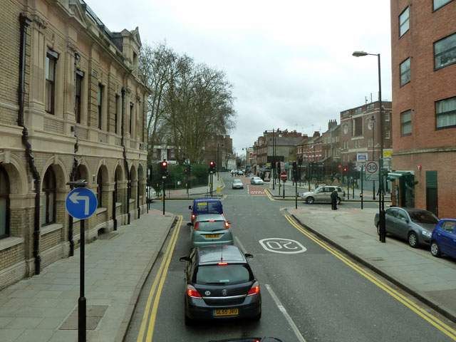 Albion Road looking towards Newington Green