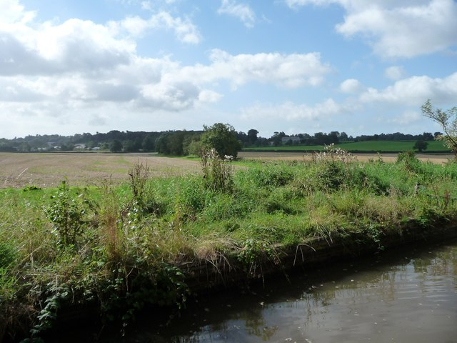 Farmland west of Oxleasows Farm