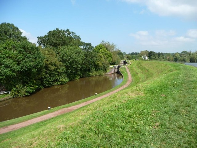 Worcester and Birmingham Canal towpath