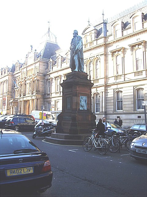 Statue of William Chambers