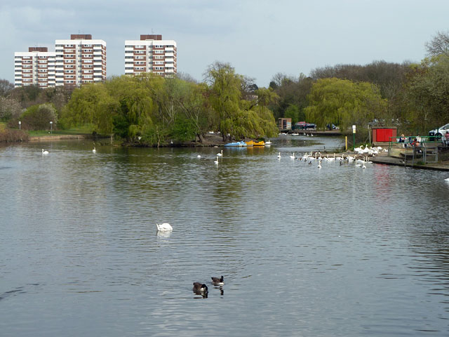 Lake, Harrow Lodge Park
