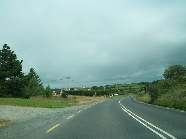 Dwellings along the A181 north of Lough Eglish