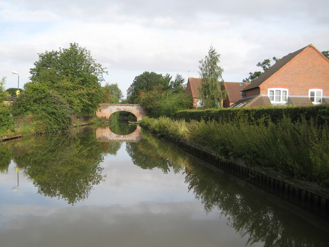 Grand Union Canal: Bridge Number 36
